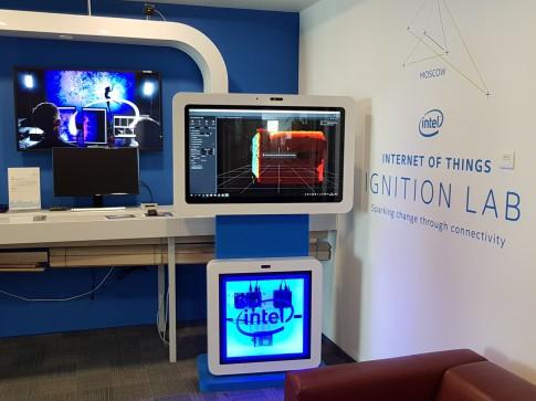 Интерактивный киоск в Лаборатории Интернета Вещей Интел